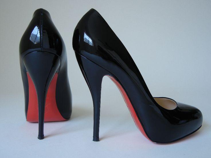 Perechi de pantofi pe care orice femeie trebuie să-i aibă